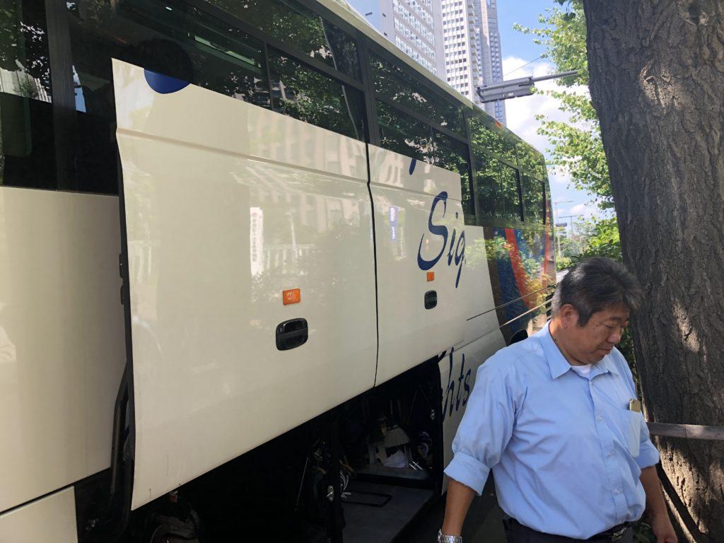メモリー観光の貸切バス